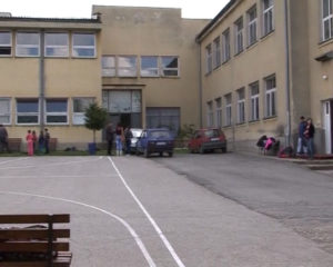 dan-skole-krepoljin-mp4-still001