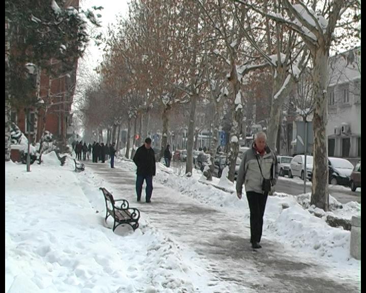Sneg i hladno vreme u januaru nisu iznenadili zimske službe i javna preduzeća u opštini Kladovo