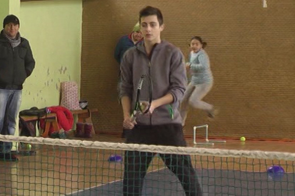 Sava Stanković poklonio opremu teniskom klubu AS Timok Zaječar