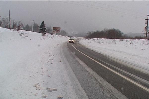 Snežno nevreme i jak vetar,stvaraju probleme ekipama zimske službe na području Boljevca