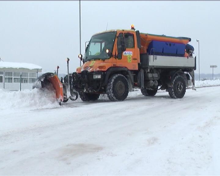 Spremna mehanizacija za zimsko održavanje opštinskih puteva i gradskih ulica