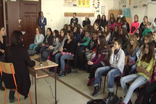 U O.Š. Ljuba Nešić u Zaječaru, sociolozi održali predavanje o pubertetu
