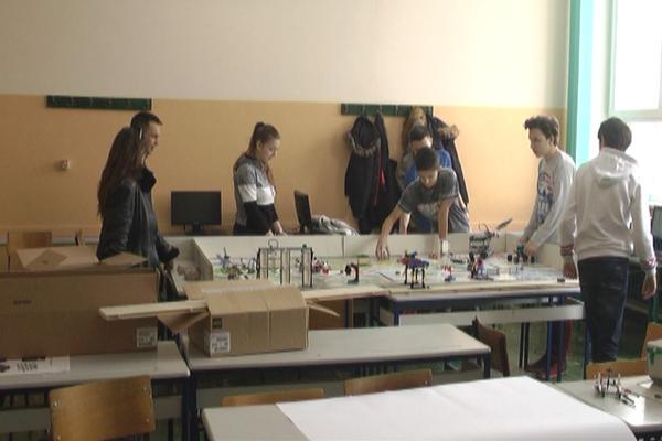 Kursevi web dizajna i robotike za osnovce u tehničkoj školi u Zaječaru
