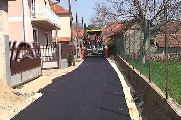 Počelo je asfaltiranje seoskih ulica u opštini Negotin