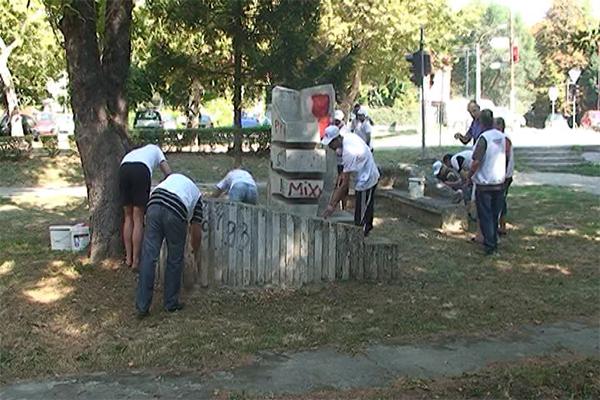 Negotin: Uređivan spomenik posvećen mladima i prostor oko njega