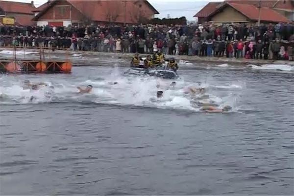 Zaječar: Poziv za prijavljivanje plivača za Bogojavljensko plivanje koje će se 19. januara 2018. godine održati na Crnom Timoku na Popovoj plaži
