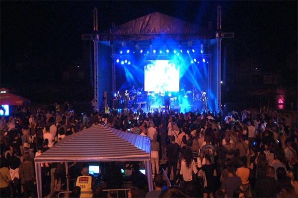 Sanja Ilić i Balkanika pred prepunom Popovom plažom najavili kulturno leto