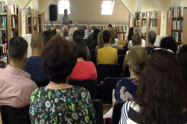 "ZAJEČAR: Promocija knjige ""Skok iznad ponora"""