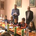 Osnovci posetili predsednika opštine Kladovo povodom Dečije nedelje