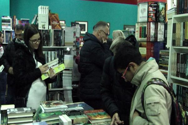 Manifestacija NOĆ KNJIGA, sinoć održana u Klubu čitalaca Laguna u knjižari Kaligraf u Zaječaru