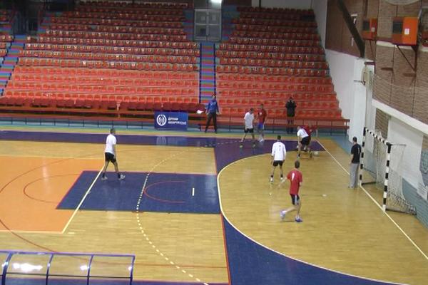 Novogodišnji turnir u malom fudbalu počeo u Zaječaru