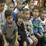 """Akcijom """"Jedan paketić puno ljubavi"""" mališani ulepšavaju novogodišnje praznike drugoj deci"""