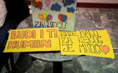 U zaječarskom teatru sinoć je održan humanitarni koncert za malog Nemanju Jovanovića i njegovu porodicu