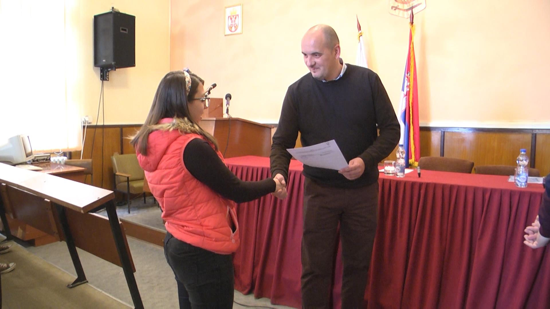 Opština Negotin je u 2019.godini opredelila 27 stipendija studentima i srednjoškolcima