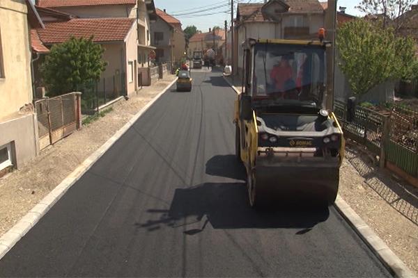 Nastavljeno asfaltiranje ulica u Negotinu