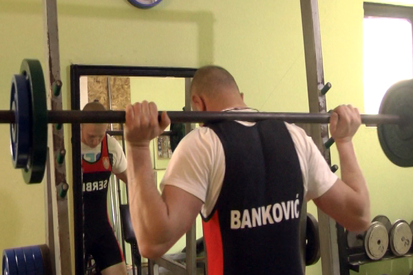 Zaječarac Nikola Banković postao prvak Balkana u powerliftingu (VIDEO)