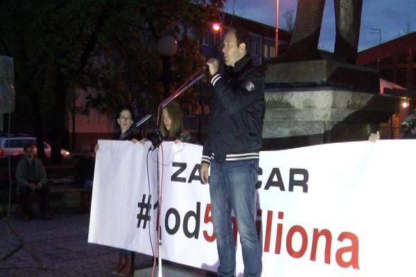 13. po redu protest #1od5milona održan u Zaječaru (VIDEO)