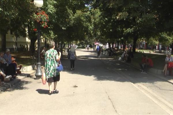 Zbog negativnog prirodnog priraštaja svake godine se gubi po jedna opština (VIDEO)