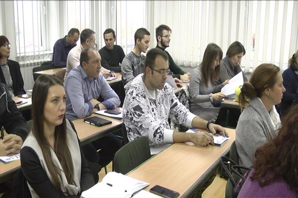 Programom promocije preduzetništva i samozapošljavanja omogućeni krediti (VIDEO)